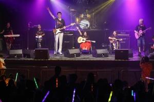 8772乐队北京唱响《从不罕见》