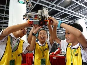 河池22名学生征战世界机器人大赛中国赛区比赛