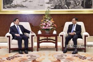 陈武会见文莱首相府部长兼财政与经济部第二部长刘光明