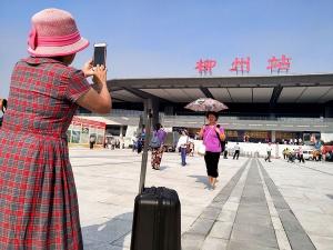 柳州火�站�|站房正式�⒂� �|西��瓤赏��r�M站