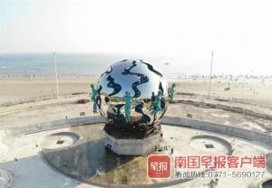 """北海銀灘""""潮""""雕塑完成整體吊裝華麗歸來!(圖)"""