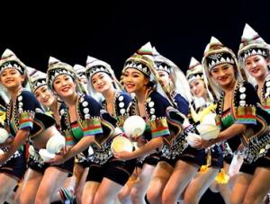 上海:云南哈尼族歌舞文化精彩亮相儿艺剧场