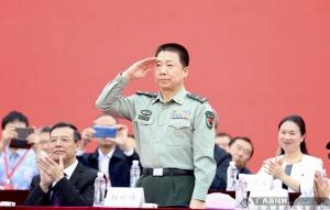 杨利伟参加桂林航天工业学院纪念建校40周年发展大会