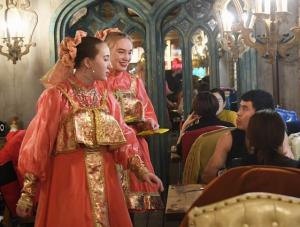 俄罗斯美食飘香满洲里