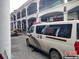 四川大竹清河镇老街一天井阁垮塌 造成2人遇难