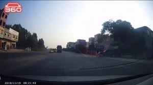灵山一大货车逆行被查,司机称是为了去加油