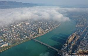 """【高清】广西融安:云雾缭绕美如""""天空之城"""""""