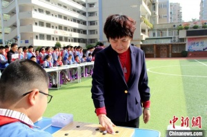 圍棋世界冠軍與廈門小棋手