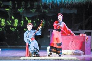 龍州縣在新風劇院演出山歌劇《天琴聲聲》