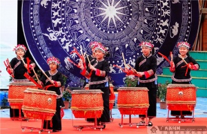 天天娱乐,天天娱乐大厅:巴马:寿乡欢歌迎新春(组图)