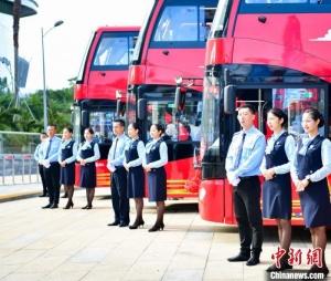 三亚开通首条热带海岸双层旅游观光巴士线路