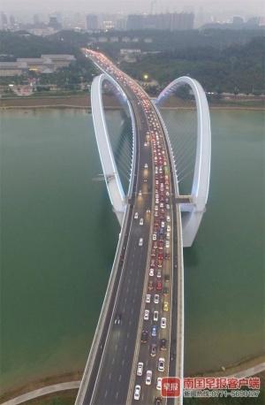 南宁跨江桥究竟有多