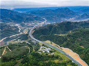 重大好消息!广西乐百高速1月8日将建成通车(图)