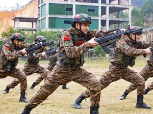 高清组图:开训即开战 武警特战队员练兵正当时