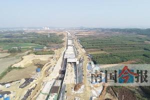 柳州最长下穿地道全线贯通 为古灵大道一部分(图)