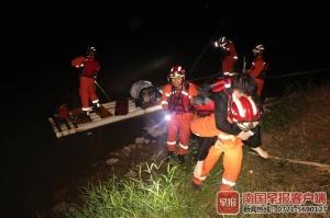 男子不慎在高速桥上坠江 容县多部门深夜紧急搜救