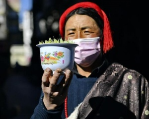 """西藏:""""日光城""""里备新年"""