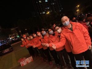 【隔离区直击】武汉94岁老人:感谢来自桂林的天使