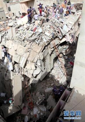 巴基斯坦卡拉奇一居民楼倒塌致3人死亡