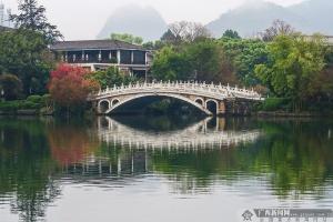 """高清组图:桂林""""两江四湖""""桃花红"""