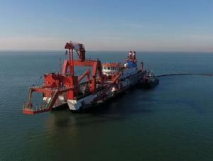 河北唐山:海上重点交通项目复工