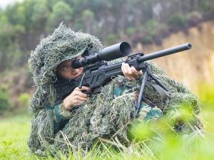 武警广西总队来宾支队:狙击手搭档的无声较量(图)