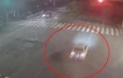 奥迪司机冲卡后追尾 为躲警方一口价买对方爱车
