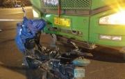 南宁青环路口大货车与电动车相撞,骑手当场死亡