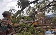 印度清理风暴灾区