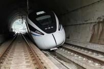 廣西一鐵路隧道內,有列車脫軌?鐵路部門回應!