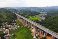 7月1日焦点图:玉湛高速(广西段)正式通车运营