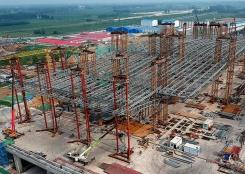 郑州南站站房进入封顶施工阶段