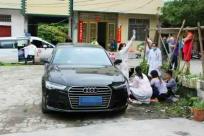 广西一女童蹲路边玩耍不幸被碾压身亡 司机赔72万