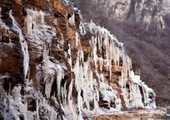 冬日冰瀑美