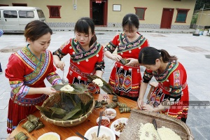 高清图集:壮乡迎端午 香满长寿粽