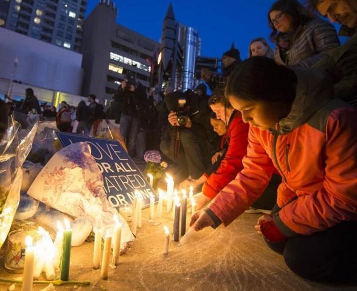 多伦多举行仪式悼念汽车撞人事件遇难者