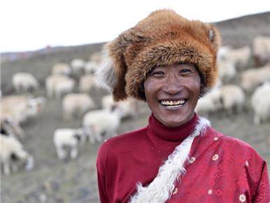 跨越千里的远行 西藏高海拔地区群众生态搬迁实录