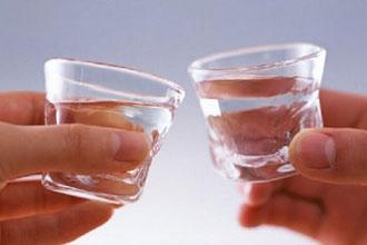 喝白酒对治愈痛风有好处?真相还是谣言