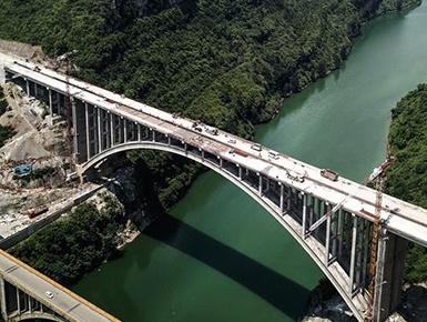贵州夜郎湖特大桥全线贯通