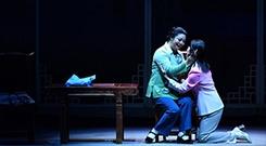 现代豫剧《撼天情》感动首都观众