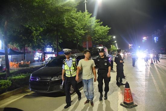 """""""世界杯""""期间贵港交警严查酒驾 抓获170名""""醉猫"""""""