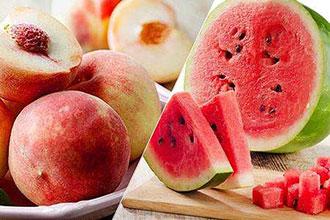 """西瓜和桃子一起吃会中毒?并不会产生""""食物相克"""""""
