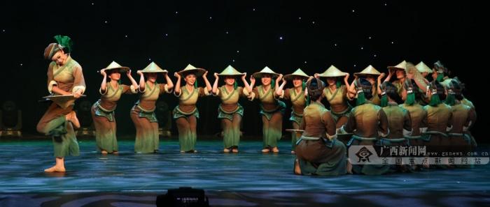 第四届广西青年舞蹈演员比赛侧记:曼妙舞姿动龙城