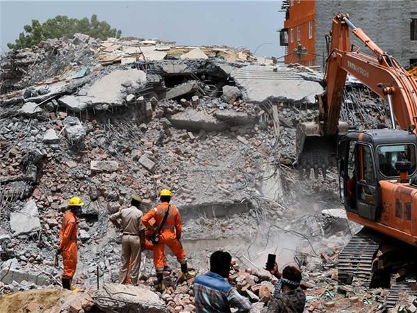 印度楼房倒塌事故致9人死亡