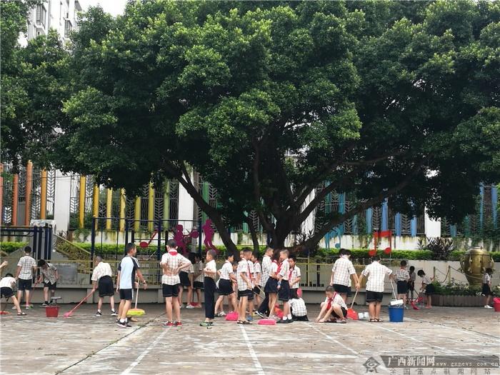南宁市五里亭第一小学2018年秋季学期开学典礼