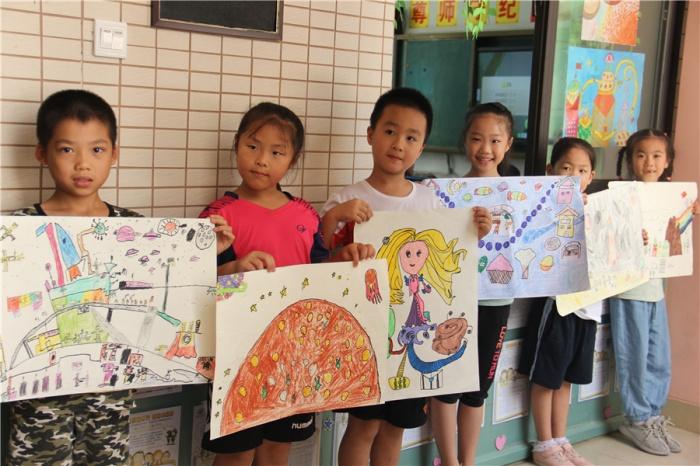 高清图:南宁市银杉路小学的孩子们这样玩转科技节