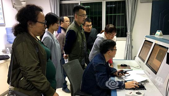 河池:国家专项检查组检查高空气象观测业务