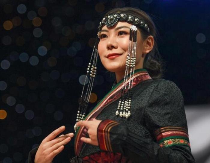 蒙古族服装服饰艺术节