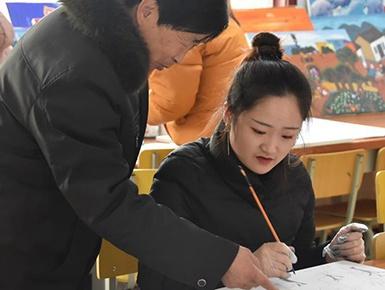 西安农民画绘出40年喜乐盼