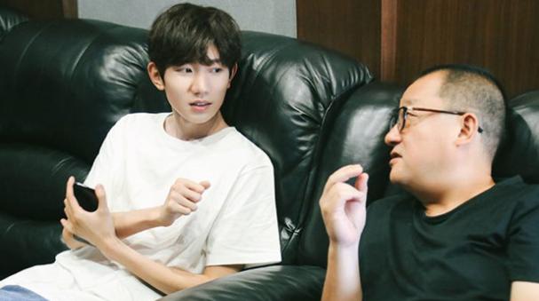 王源:能跟前辈演员学习很荣幸
